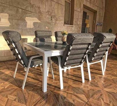 שולחן מדריד בשילוב כיסאות טיטאן