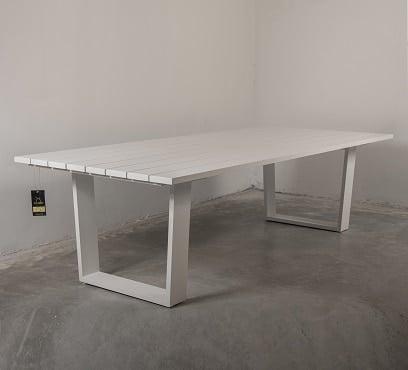 שולחן אלומיניום מעוצב דגם רטריט