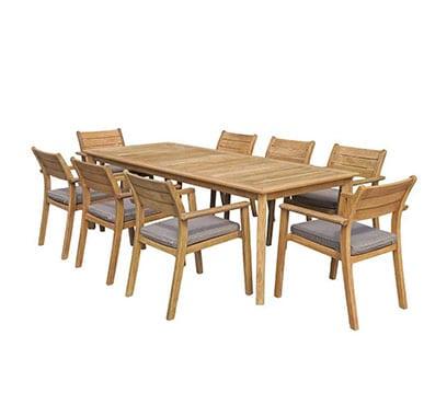 שולחן המפטון 220 בשילוב 6 כיסאות יורק