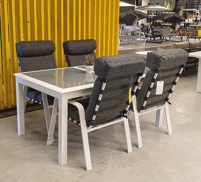 שולחן מדריד בשילוב 4 כיסאות טיטאן